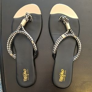 Mossimo black/gold sandals